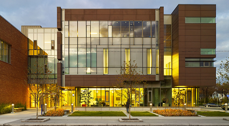 medical-education-building-exterior-01-university-windsor